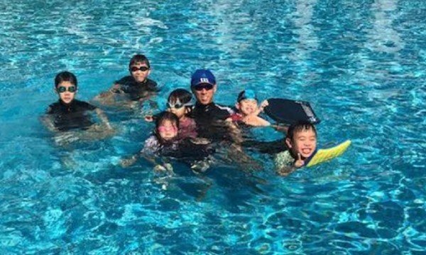 private group swimming lessons for kids