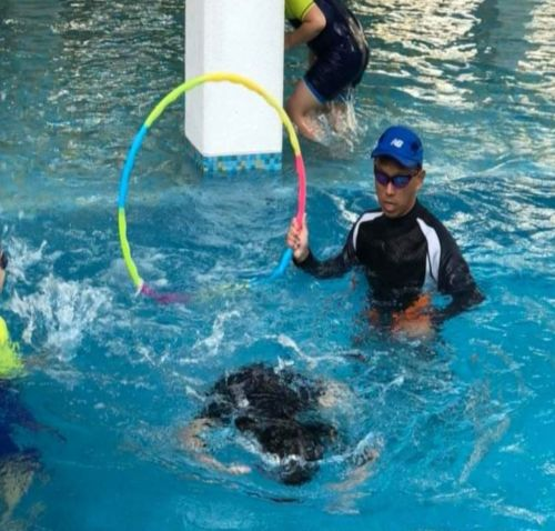 private swimming lessons for adults and kids in singapore